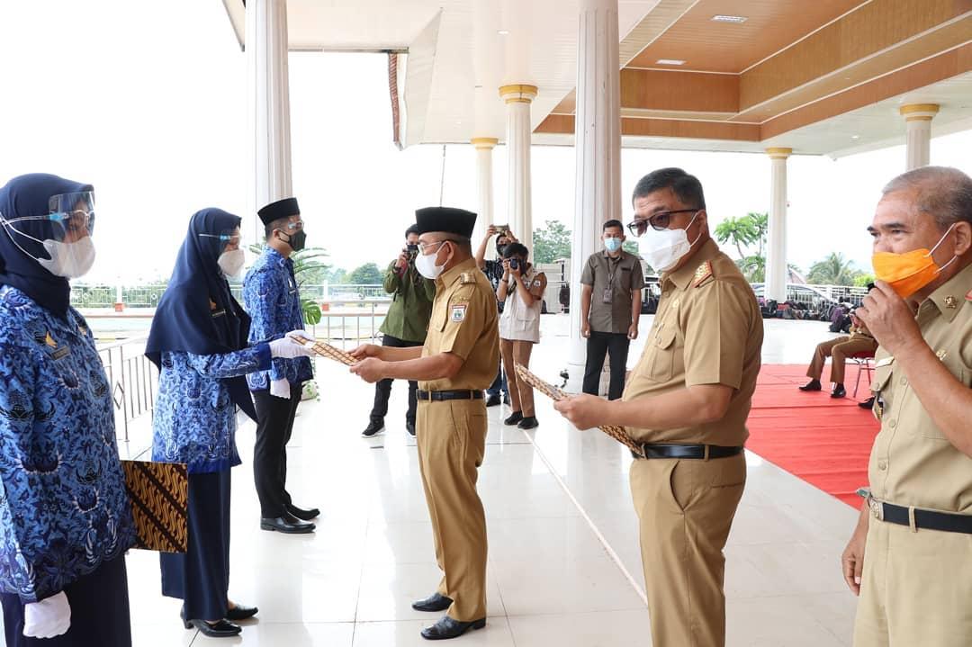 Penyerahan SK CPNS formasi 2019 lingkup Pemerintah Provinsi Sulawesi Barat